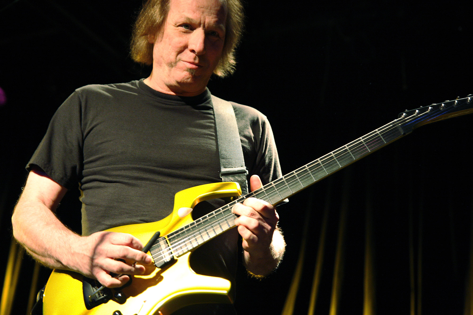 Adrian Belew, guitar legend, will perform and give master class at the ACM@UCO Performance Lab on Nov. 20.  Tickets are now available.