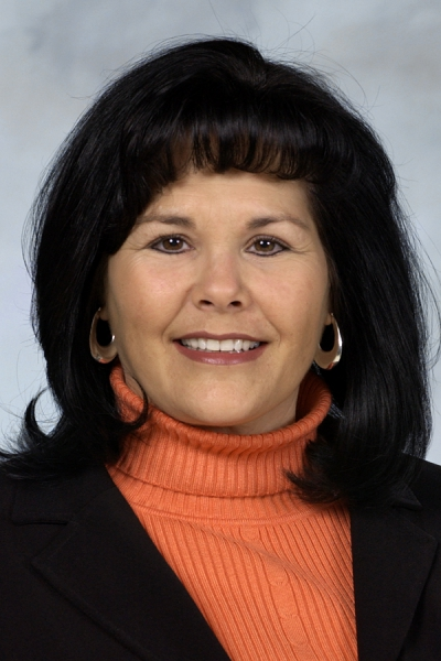 Headshot of Nicole Willard